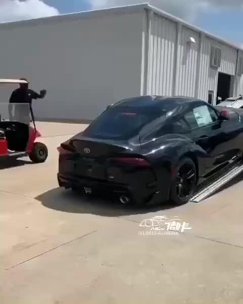 求大伙告诉我这是丰田的什么车?